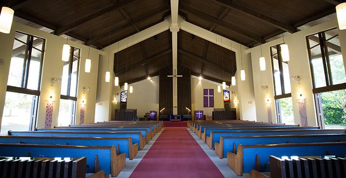 ヌウアコングリゲーショナル教会内