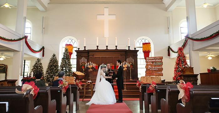 カワイアハオ教会でウエディングを行うウエディングフォト