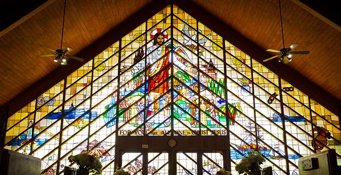 モアナルアコミュニティ教会ステンドグラス